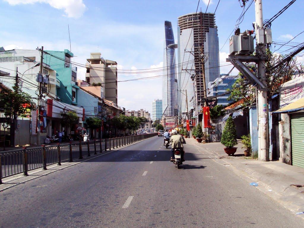 Hình ảnh thực tế Đường Nguyễn Tất Thành Quận 4